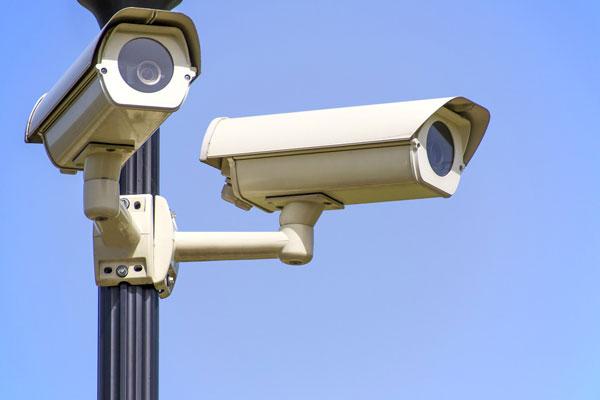 cctv cameras on lamppost